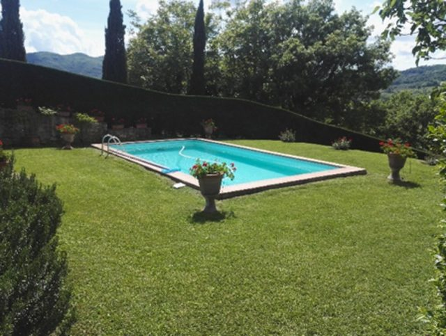 I Giardini di Lapo si occupa di manutenzione giardini a Firenze attraverso interventi periodici personalizzati, pianificati e concordati con il cliente.