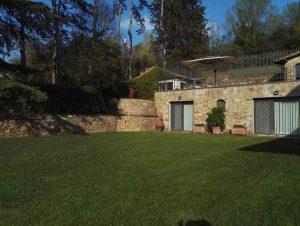I Giardini di Lapo si occupa della realizzazione e manutenzione di prati e tappeti erbosi a Firenze