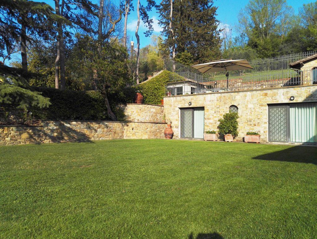 realizzazione e manutenzione giardini a Firenze