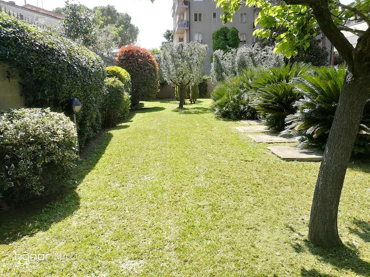 I Giardini di Lapo si occupa di giardini condominiali a Firenze e provincia