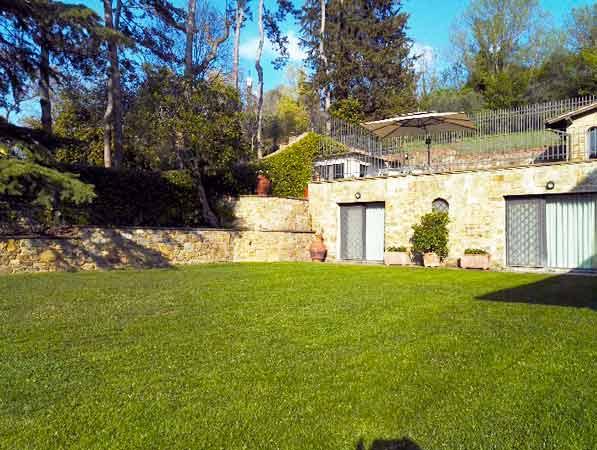 Realizzazione e manutenzione di tappeti erbosi a Firenze